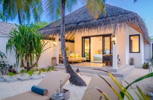 Finolhu Beach Villa Outdoor