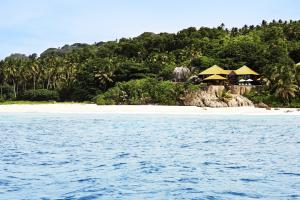 Fregate Island Private twin-villa outer 2