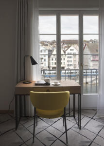 Hotel Storchen Table Chair