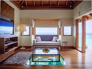 Huvafen Fushi Water Villa