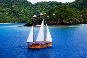 Laucala Island activity sailing rere ahi 3