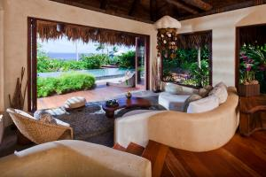 Laucala Island plateau villa bedroom 2