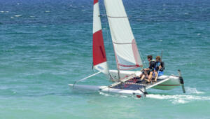 Neptune Hotels Resort Convention Centre and Spa  Wassersport Hobie Cat