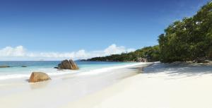 Raffles Seychelles General Views 24 Anse Lazio Beach