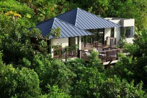 Raffles Seychelles Pool Villa Exterior