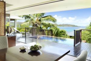 Raffles Seychelles Villas Ocean View Dining