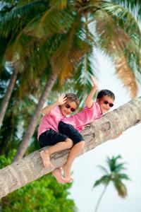 The Sun Siyam Iru Fushi Boys Palmtree
