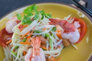 The Sun Siyam Iru Fushi Thai Cooking Class