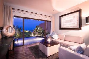 Uga Bay by Uga Escapes Bay Suite Living Room