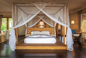 Wa Ale Tended Beach Villa Bed