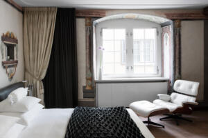 Widder Hotel Deluxe Doppelzimmer Bett
